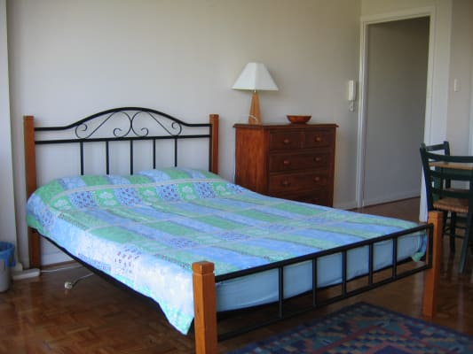 $440, Studio, 1 bathroom, Alfred Square, Saint Kilda VIC 3182
