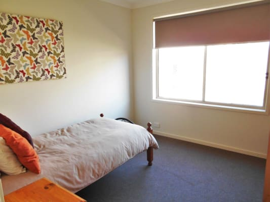 $200, Share-house, 4 bathrooms, Rochford Drive, Armstrong Creek VIC 3217