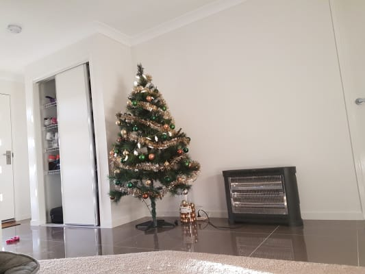 $200, Share-house, 2 rooms, Abrahams Road, South Ripley QLD 4306, Abrahams Road, South Ripley QLD 4306