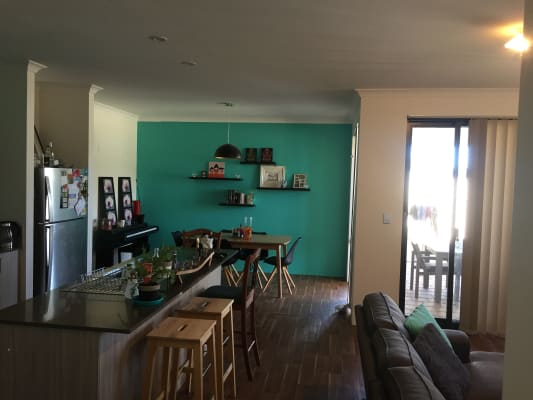 $150, Share-house, 3 bathrooms, Suffolk Street, Caversham WA 6055
