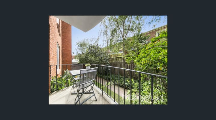 $350, Flatshare, 2 bathrooms, Rockley Road, South Yarra VIC 3141