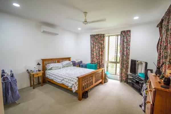 $220, Share-house, 3 bathrooms, Cameron Close, Smithfield QLD 4878