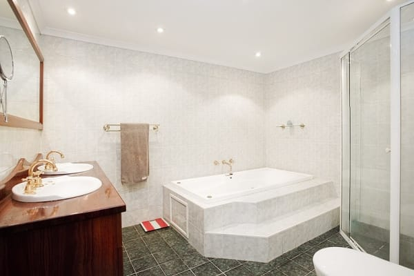 $1,095, Whole-property, 3 bathrooms, New South Head Road, Double Bay NSW 2028