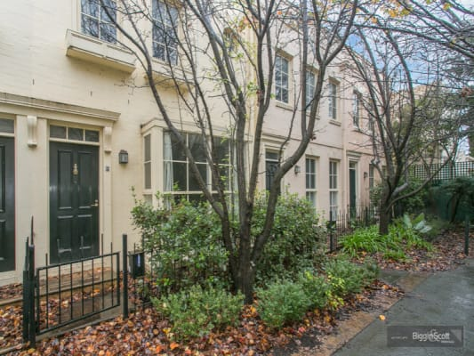 $215, Share-house, 3 bathrooms, Cromwell Place, South Yarra VIC 3141
