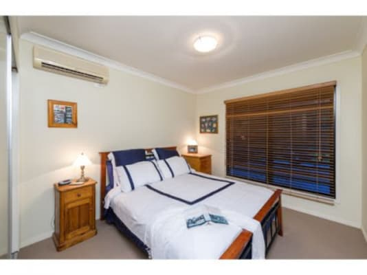 $220, Share-house, 3 bathrooms, Frederick Street, Taringa QLD 4068