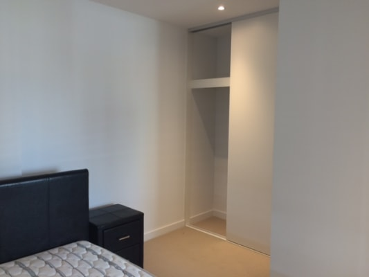 $275, Flatshare, 2 bathrooms, Rose Lane, Melbourne VIC 3000