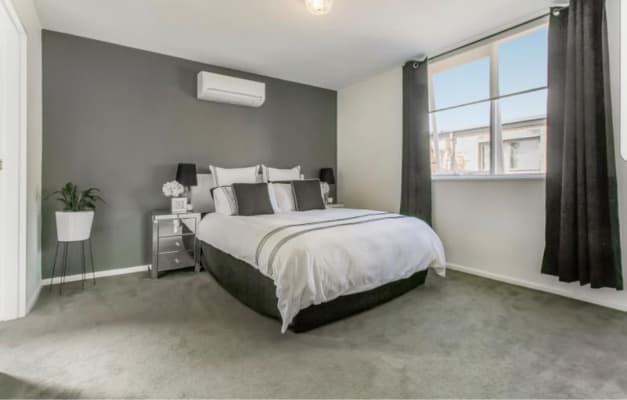 $350, 1-bed, 1 bathroom, Riversdale Road, Hawthorn East VIC 3123