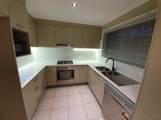 $215, Share-house, 3 bathrooms, Queen Street, Cleveland QLD 4163