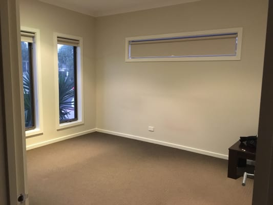 $180, Share-house, 3 bathrooms, Breasley Parkway, Point Cook VIC 3030