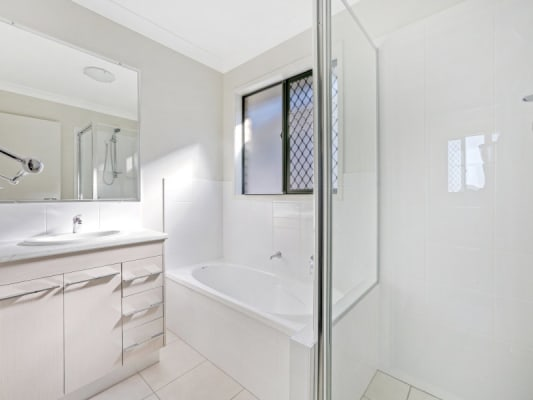 $1,000, Whole-property, 4 bathrooms, Feltwell Street, Sunnybank QLD 4109