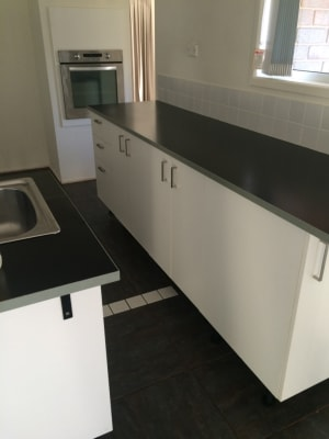 $429, Whole-property, 6 bathrooms, West Street, Kearneys Spring QLD 4350