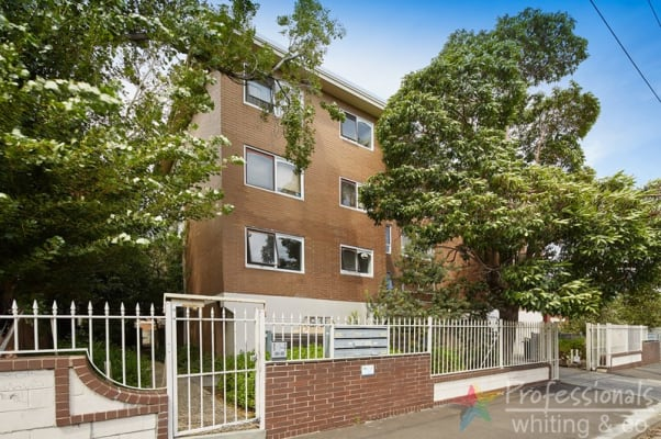 $260, Share-house, 2 bathrooms, Burnett Street, Saint Kilda VIC 3182