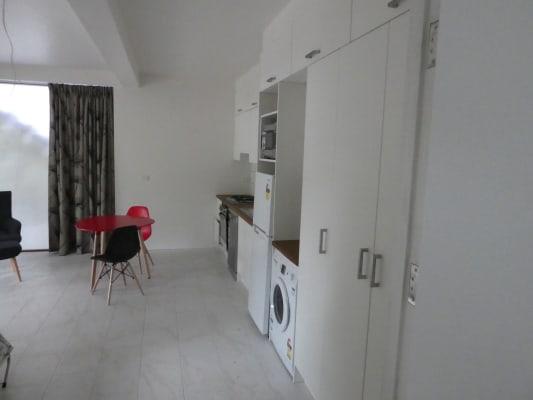 $390, Studio, 1 bathroom, Mildmay Street, Fairfield QLD 4103