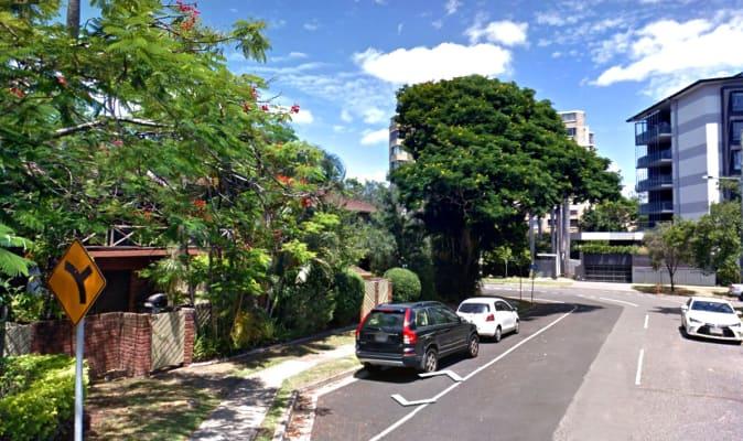 $250, Flatshare, 2 bathrooms, Jerdanefield Road, Saint Lucia QLD 4067