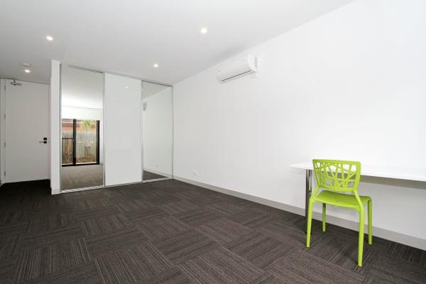 $250, Share-house, 3 rooms, Merrilands Road, Reservoir VIC 3073, Merrilands Road, Reservoir VIC 3073