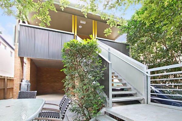 $225, Share-house, 6 bathrooms, Munro Street, Saint Lucia QLD 4067