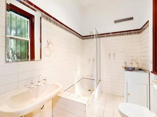 $1,000, Whole-property, 3 bathrooms, Mcilwrick Street, Windsor VIC 3181