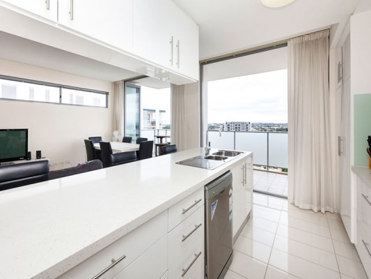$300, Flatshare, 2 bathrooms, Douro Place, West Perth WA 6005