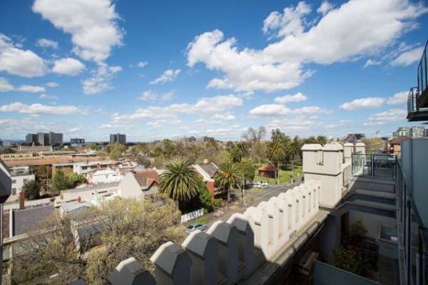 $260, Flatshare, 2 bathrooms, Powlett Street, East Melbourne VIC 3002