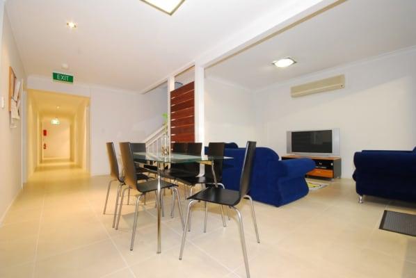 $200, Student-accommodation, 1 bathroom, Vine Street, Greenslopes QLD 4120