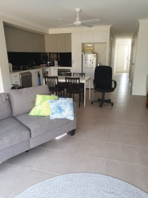 $180, Share-house, 3 bathrooms, Springfield College Drive, Springfield QLD 4300