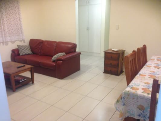 $190, Whole-property, 3 bathrooms, Brisbane Street, Saint Lucia QLD 4067