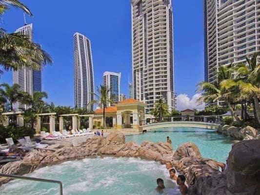 $350, Flatshare, 2 bathrooms, Ferny Avenue, Surfers Paradise QLD 4217