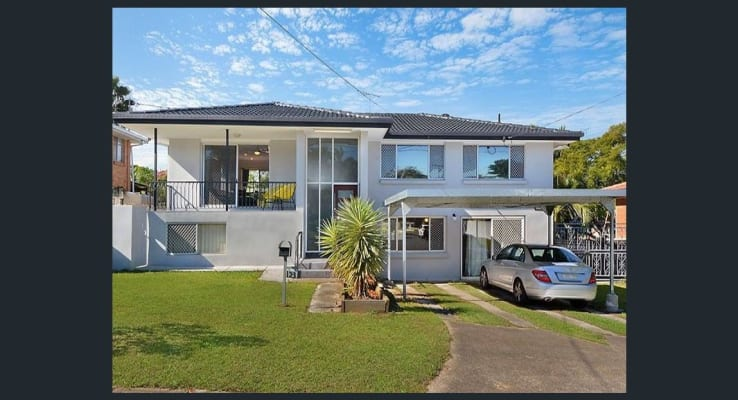 $395, Whole-property, 2 bathrooms, Swanfield Street, MacGregor QLD 4109