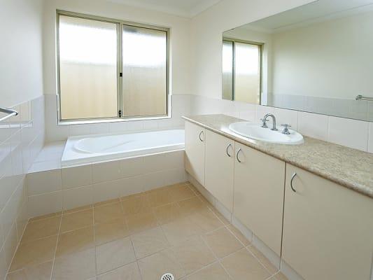 $150, Homestay, 4 bathrooms, Belmont Avenue, Cloverdale WA 6105