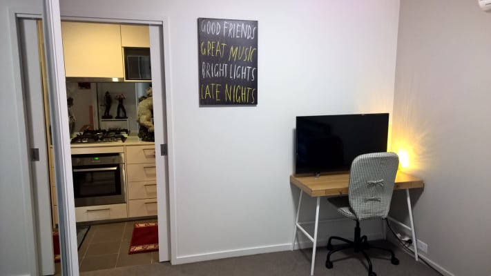 $310, Flatshare, 2 bathrooms, William Street, Melbourne VIC 3000
