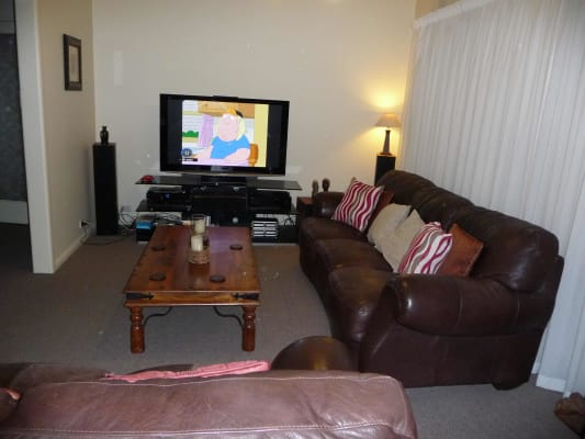 $190, Share-house, 2 bathrooms, Weybridge Street, Surrey Hills VIC 3127