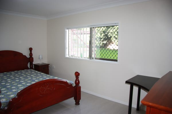 $170, Share-house, 5 bathrooms, Nevern Street, MacGregor QLD 4109