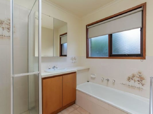 $140, Share-house, 4 bathrooms, Milbrey Close, Wantirna South VIC 3152
