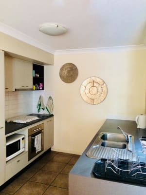 $300, Share-house, 3 bathrooms, Rosetta Street, Fortitude Valley QLD 4006
