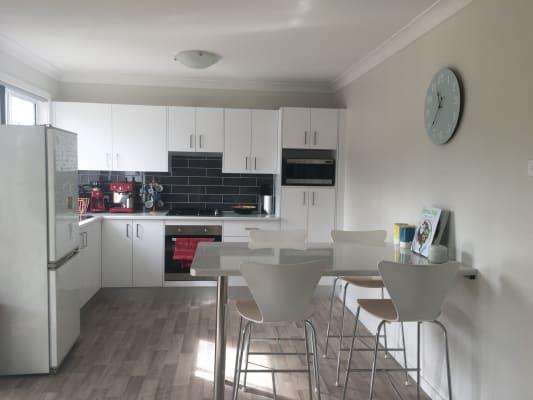 $175, Flatshare, 2 bathrooms, Kuranda Crescent, Kotara NSW 2289
