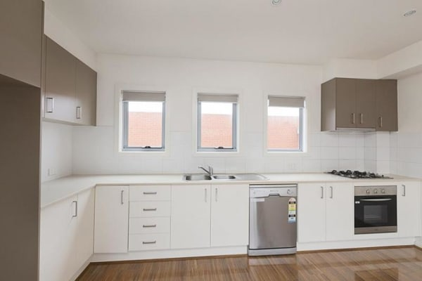 $220, Share-house, 2 bathrooms, Rosamond Road, Footscray VIC 3011
