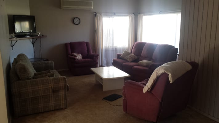 $180, Share-house, 3 bathrooms, Morton Pde, Nowra NSW 2541