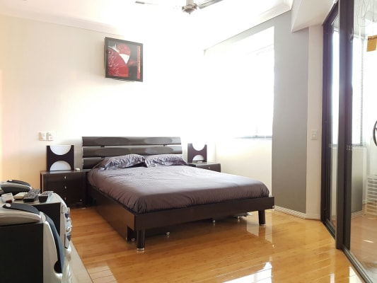 $390, Studio, 1 bathroom, Baildon Street, Kangaroo Point QLD 4169