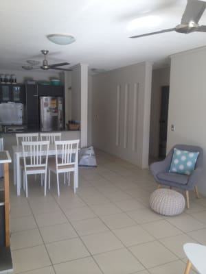 $190, Flatshare, 2 bathrooms, Sunshine Parade, Miami QLD 4220