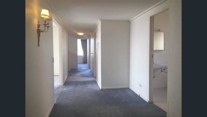 $212, Flatshare, 3 bathrooms, Toorak Road, Toorak VIC 3142