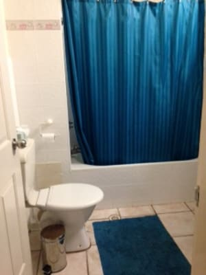 $120, Share-house, 2 bathrooms, Marine Parade, Miami QLD 4220