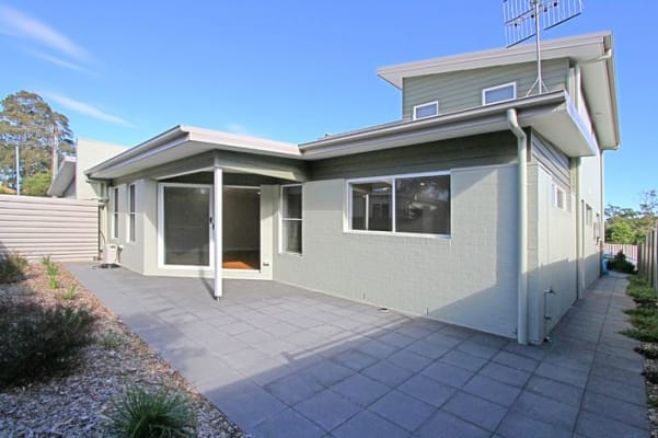 $210, Share-house, 3 bathrooms, Kalang Avenue, Ulladulla NSW 2539