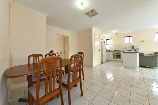 $90, Share-house, 5 bathrooms, Hill View Terrace, Saint James WA 6102