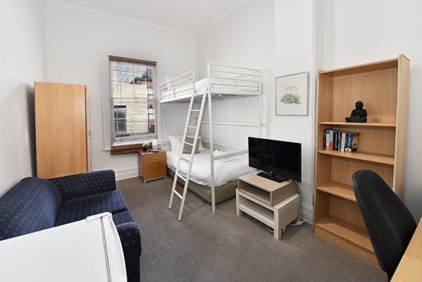 Room For Rent In Rathdowne St Carlton Carlton Melb