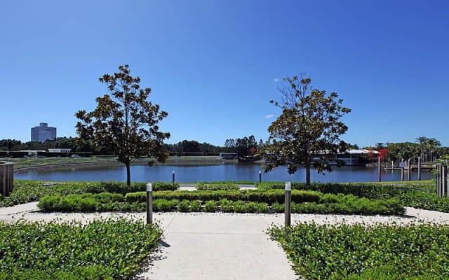 $190, Flatshare, 3 bathrooms, Riverwood Grove, Benowa QLD 4217