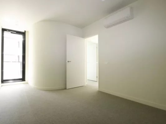 $290, Whole-property, 2 bathrooms, Daly Street, South Yarra VIC 3141