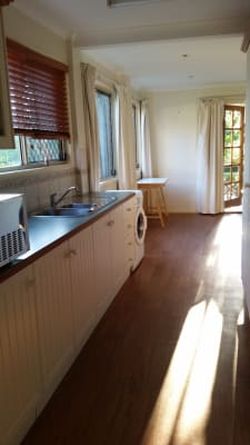 $250, Granny-flat, 1 bathroom, Fig Tree Pocket Road, Chapel Hill QLD 4069