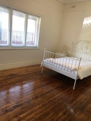 $165, Whole-property, 2 bathrooms, Maysbury Avenue, Elsternwick VIC 3185