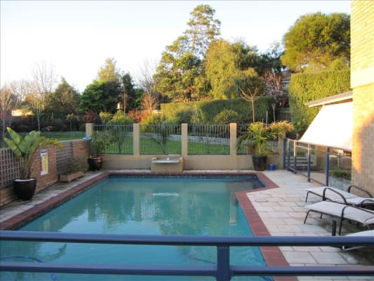$195, Whole-property, 3 bathrooms, Moselle Court, Doncaster VIC 3108