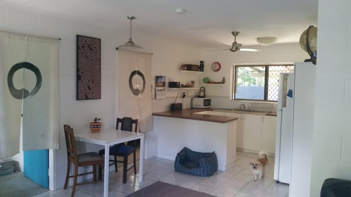 $140, Flatshare, 2 bathrooms, Mimosa Street, Holloways Beach QLD 4878